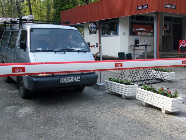 Mediano Thermal Camping sorompós beléptető rendszer