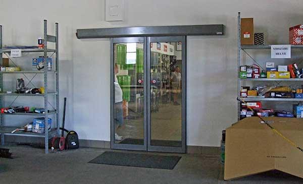 Automata ajtó speciális vezérléssel