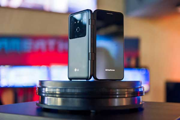 Megjött Magyarországra az LG első 5G-képes, dupla kijelzős okostelefonja