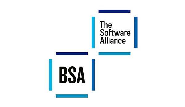 Az IT-vezetők alapján a licenc nélküli szoftverek használata növeli az adatlopás kockázatát