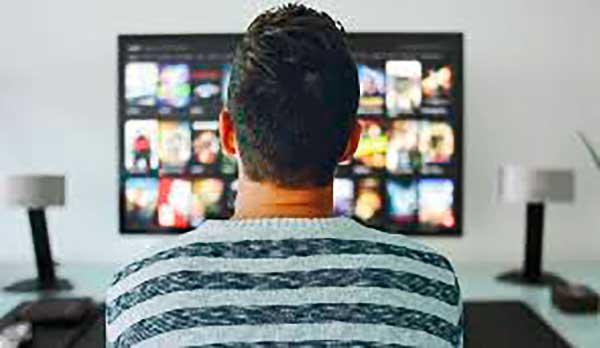 Nagy segítséget nyújthatnak az otthoni televíziók a távoktatásban