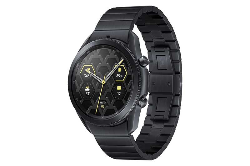 Luxus és időtálló kialakítás – bemutatkozik a Samsung Galaxy Watch3 Titanium